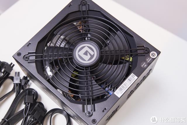 装机小测:80PLUS金牌认证艾湃电竞电源AN-750M确实很澎湃