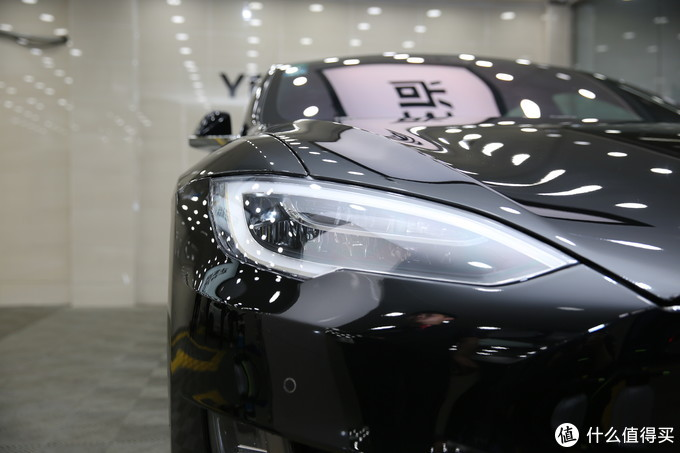 隐形车衣贴膜后车漆镜面效果
