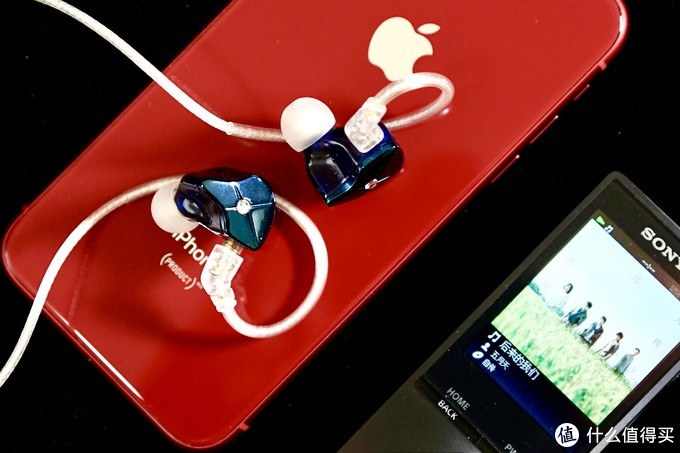 锦瑟香也(TFZ)QUEEN LTD有线耳机 — 除了颜值还有好音质