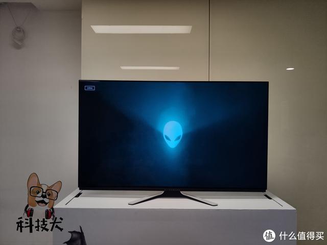 ALIENWARE 54.6英寸OLED游戏显示器AW5520QF真机实拍