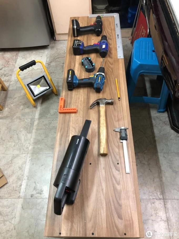 一部分工具及螺丝固定完成照片