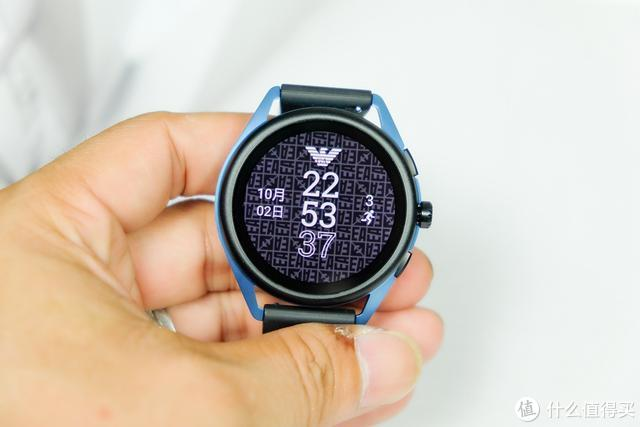 阿玛尼智能手表测评:轻薄表身,四种用电模式,设计玩新潮