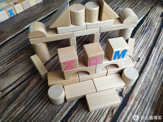 儿童用品:铭塔益智原木积木玩具