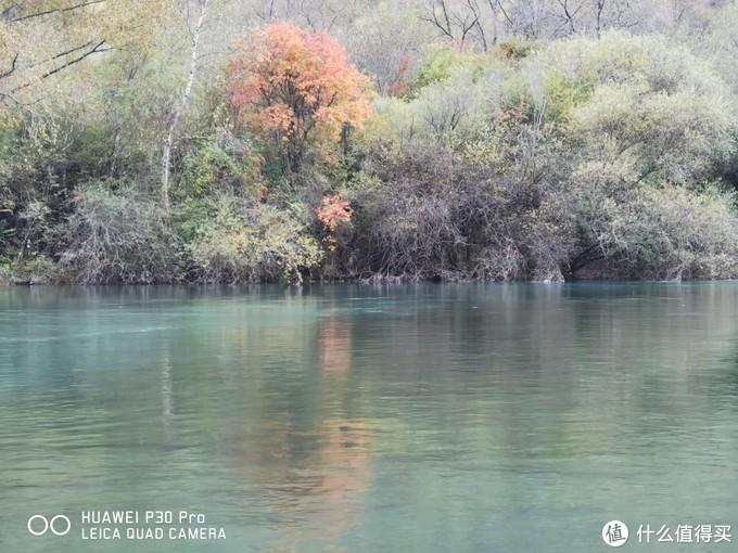 川西红叶季,来看传说媲美九寨的水