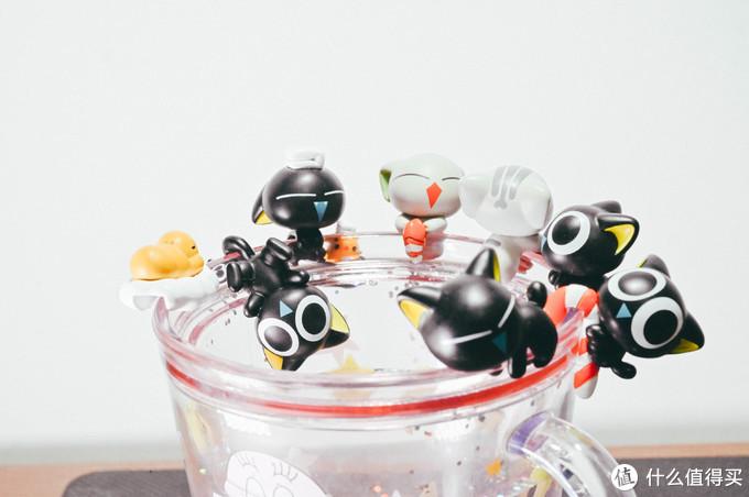 罗小黑杯挂全家福 满满的幸福