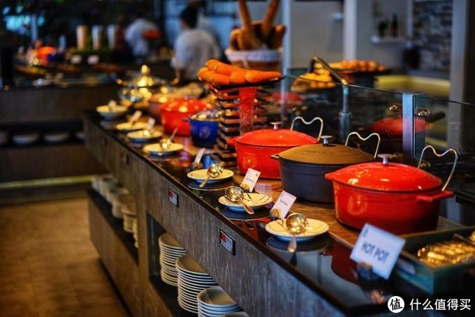 炒菜及炖品都是铸铁锅,这就是德国酒店管理的水准