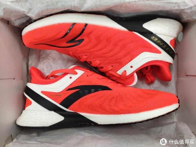 国产竞速——安踏 Challenge202/2.0 北马限定款跑鞋开箱