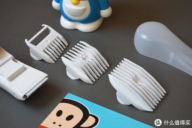 新品:如山又推出了一款 能吸又能剪的婴儿理发器