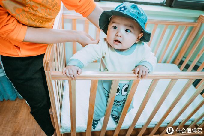 究竟要不要给宝宝买婴儿床?看完它就有答案了