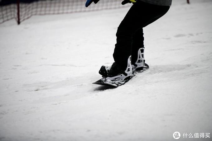 """雪季将至,滑雪界的""""价格屠夫"""",零夏小黑板带你迅速入雪坑"""
