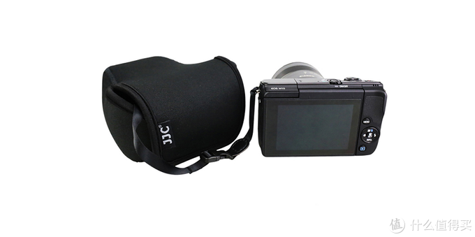 我的相机是佳能无反相机,型号是EOS M100,镜头是15-45mm套头,在京东上选来选去,选了大半天,才选中了这款JJC内胆包