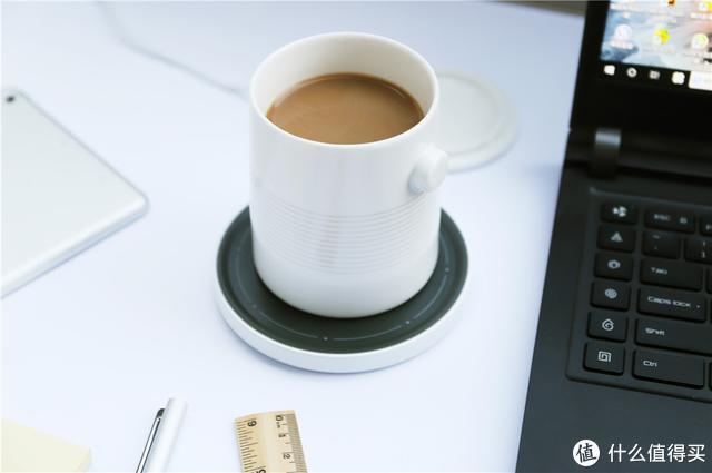 桌面好物,无线充电器+恒温杯垫—Beefo停机坪