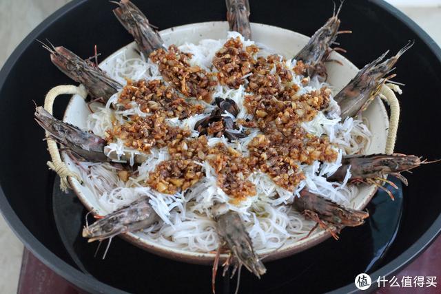 怎能错过这道菜,五分钟就出锅,色泽喜庆味道还倍儿鲜美!