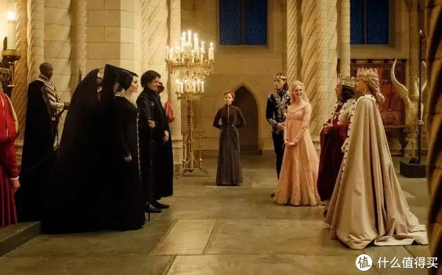 安吉丽娜·朱莉VS米歇尔·菲佛,女王的颠峰对决。