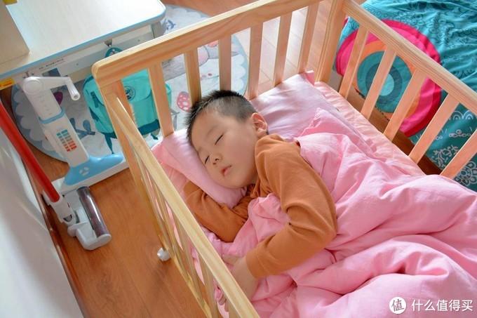 安装超简单,精工看得见,贝影随行多功能拼接婴儿床体验