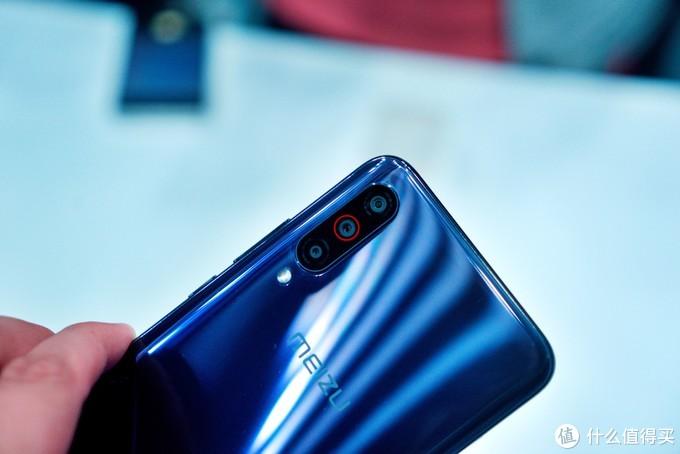 骁龙旗舰重回1999元:魅族16T大屏娱乐手机发布,轻薄机身塞下骁龙855与4500mAh大电池
