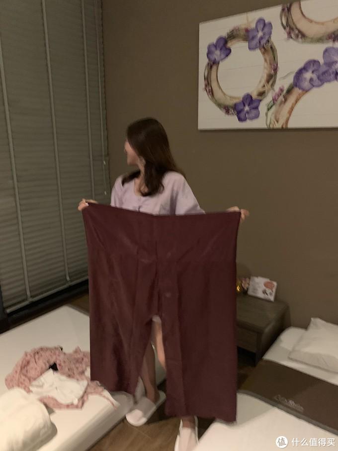 更换的裤衩确实大了点。。。