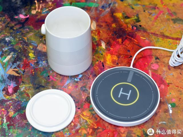 BeeFo创意桌面产品,无线充电加恒温水杯,熬夜加班也要暖暖哒