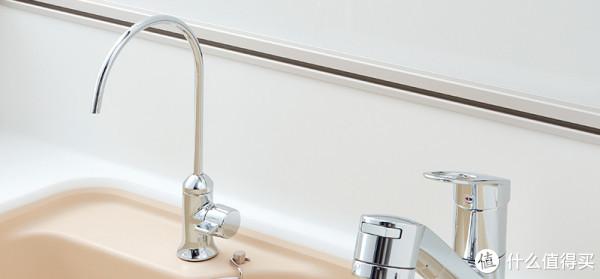 除冷热水龙头以外,一些家庭也会配置净水器龙头