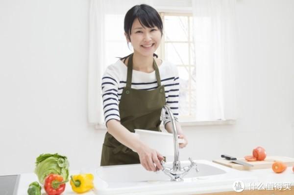 厨房水龙头的类型和特征以及如何选择的点