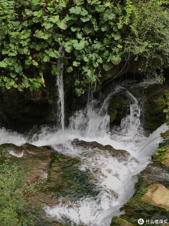 八泉中的一道泉水