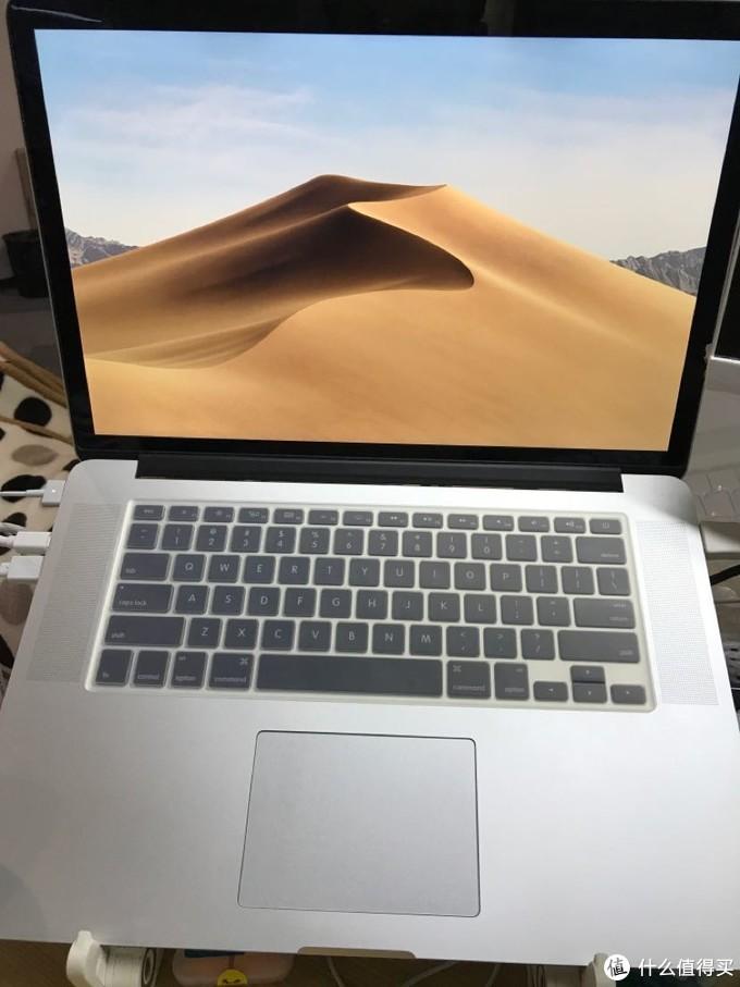一个程序员的工作桌面