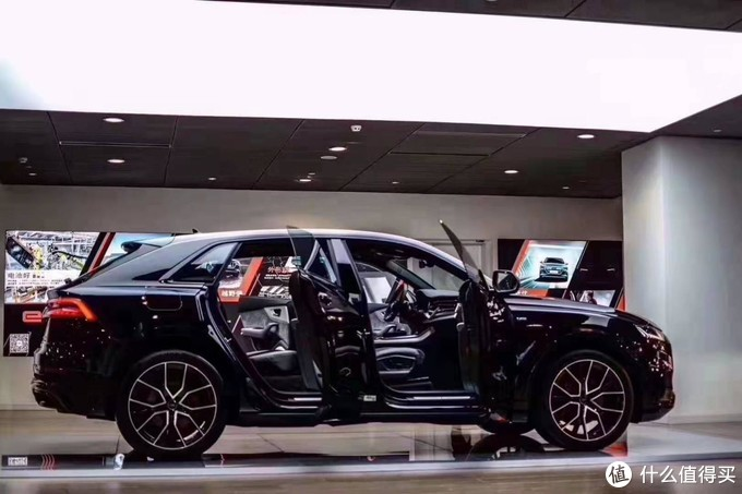 Q8新车抢拍:标配360全景和无框车门,两天才能等到一个客户