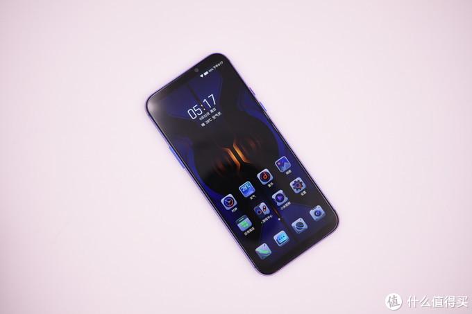 黑鲨游戏手机2Pro:只要2999顶级处理器12G内存 超强压感屏带回家
