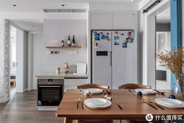 谁说大房子不适合做北欧风,这套140平三室两厅装修出时尚与温馨!