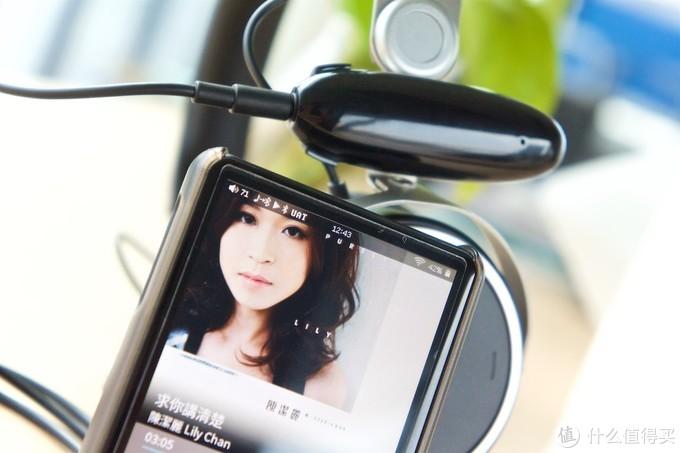 有点意思的比对课题:蓝牙耳机?还是蓝牙+有线耳机?