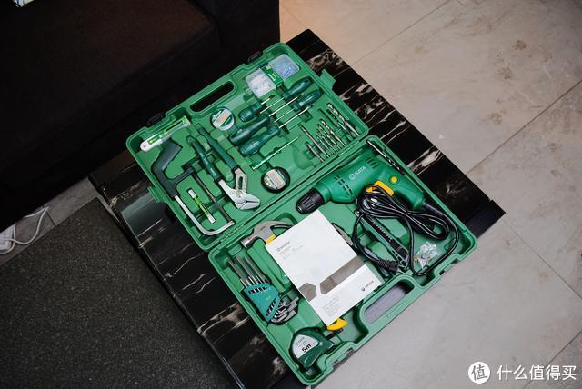 装修完成的最后一步:购入世达整套工具箱,修补不求人