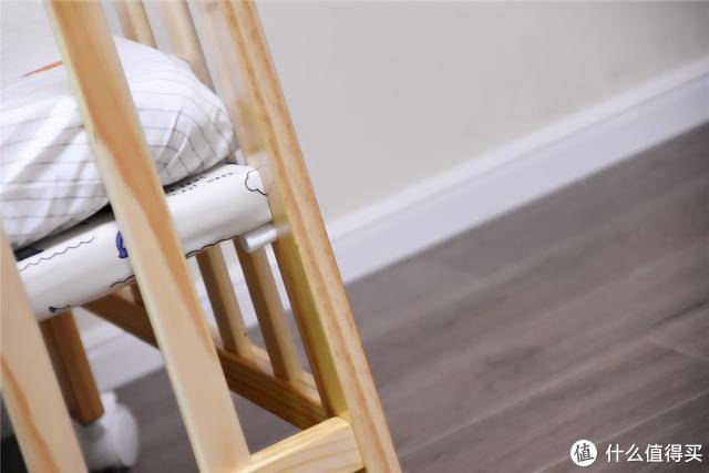 贝影随行婴儿床,进口松木,多用途父母好伴侣