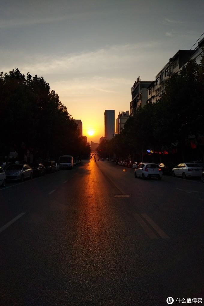 美丽的城市晨辉