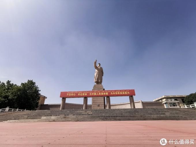 广场的雕像