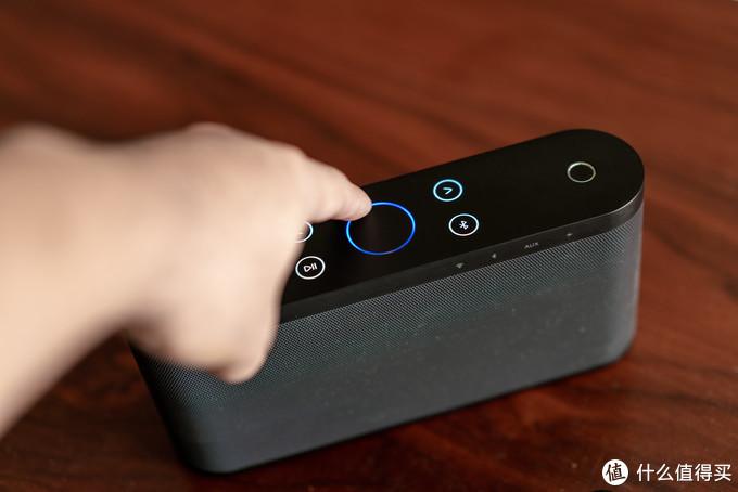 哦对了,蓝色圈是音量控制,摸摸转圈即可控制音量