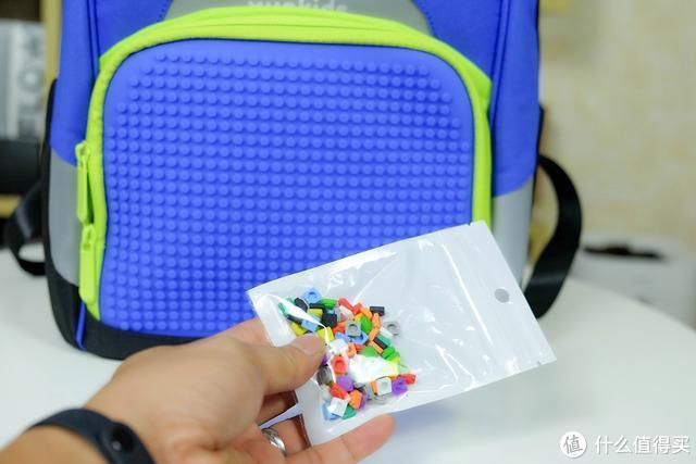 小米生态链企业推新品:小寻定位鞋包套装,智能守护孩子安全