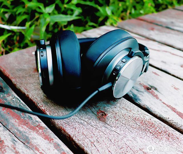 聆听击音K5头戴式主动降噪蓝牙耳机,你的心情便也能放晴了