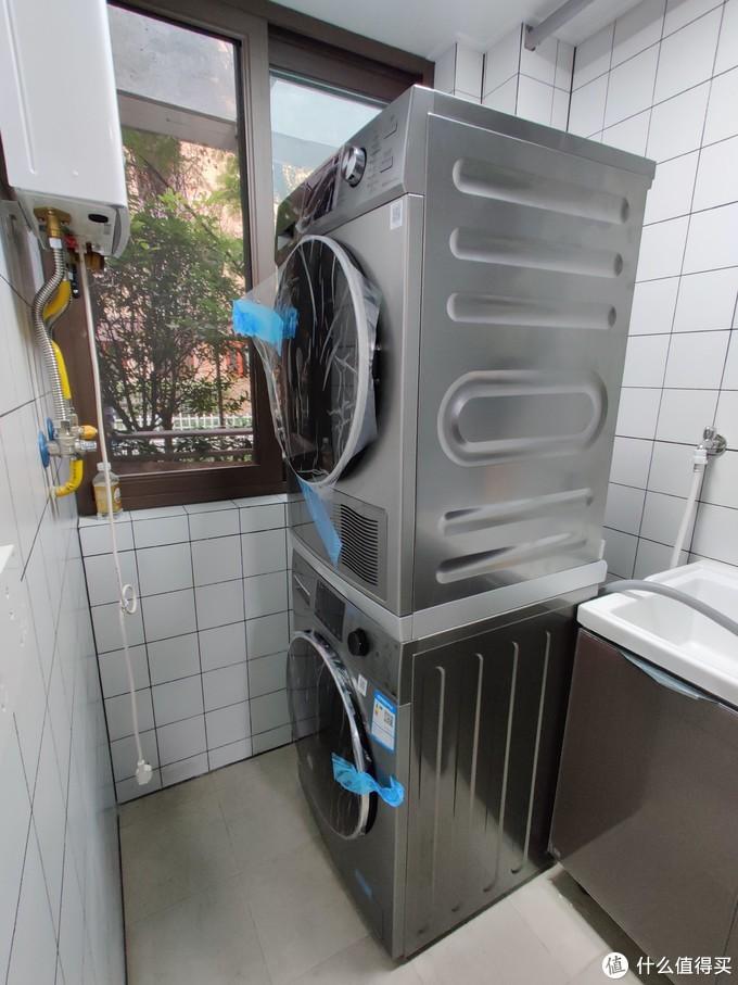 美的安装师傅上门4次,终于把这洗衣机和烘干机调整到最完美的状态了!