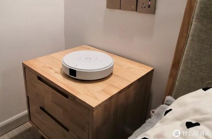不到3000元预算,代替卧室电视的终极选择——坚果G7s智能投影仪