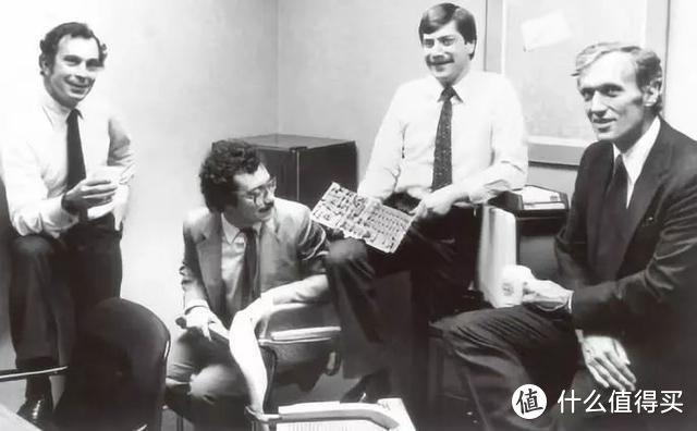 图:彭博的四位创始人(左一为布隆伯格)