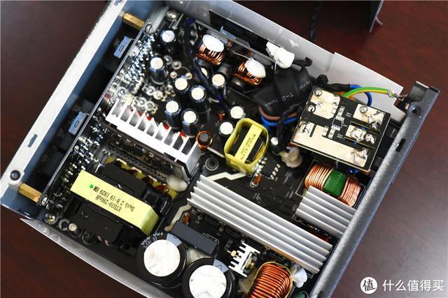 全模组、全日系电容、金牌,这款399元的电竞电源是否值得买?