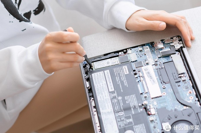 是时候加速你的电脑了,雷克沙NM700固态硬盘512G逆天读写