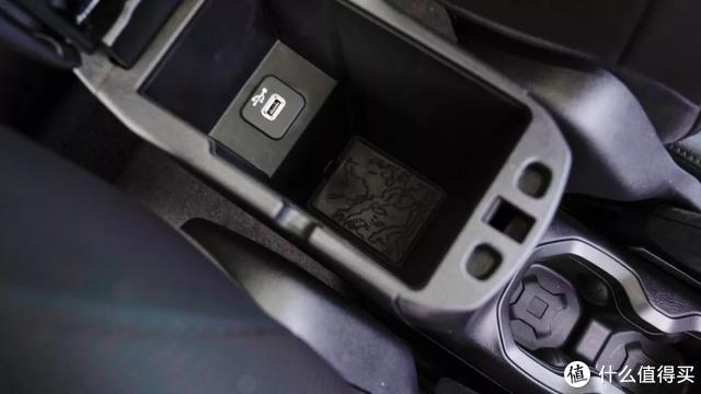 深度测试Jeep自由侠:自由而焦虑的年轻人,需要这样一台车