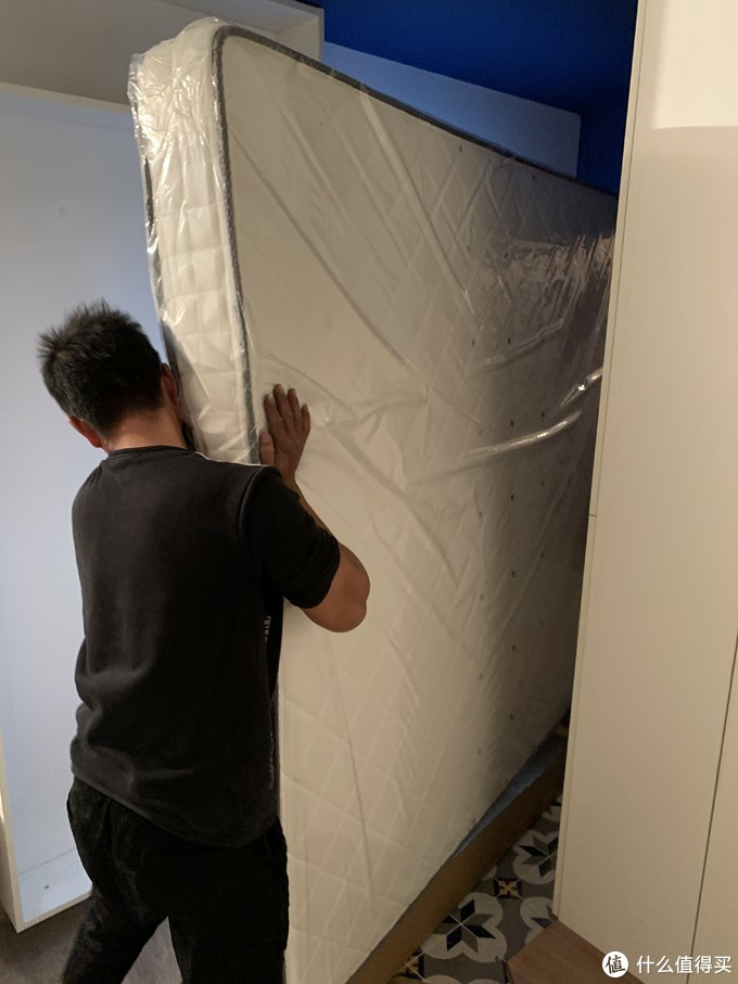 新家配新床,喜临门天琴湾牛皮软床星空R床垫体验