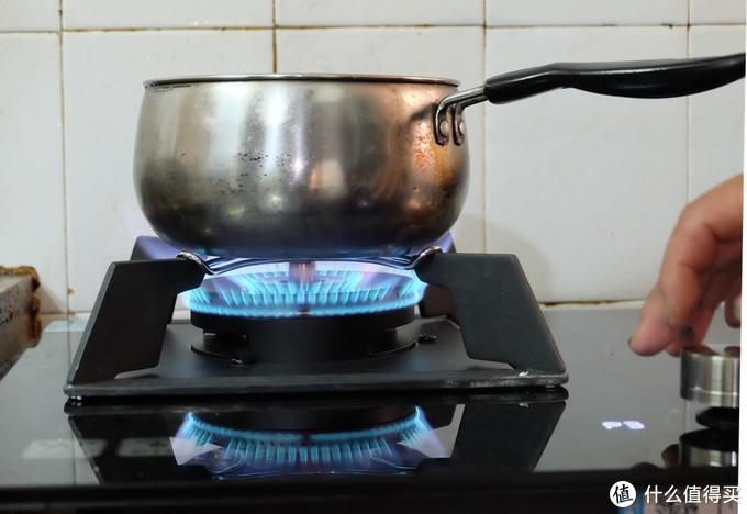 原来做菜也可以这么简单 有云米AI智能灶新手也能秒变大厨