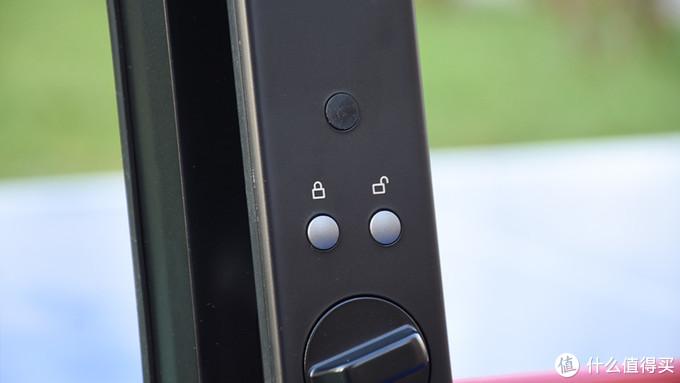 回家开锁新体验 小滴R5人脸识别智能锁