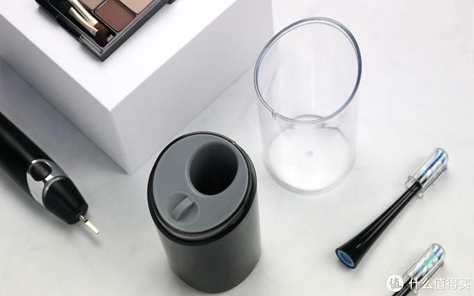 充电、杀菌、烘干集一体,双清洁,简单易用:扉乐电动牙刷体验