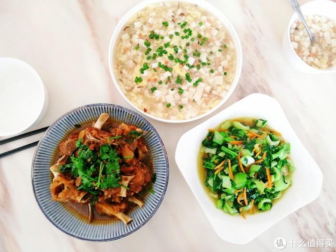 母女2人的中餐这样吃,2菜1汤有荤有素,20分钟上桌成本不过8元
