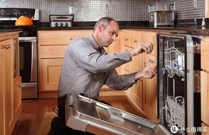 谁来洗碗不再是难题 惠而浦14套洗碗机首发评测