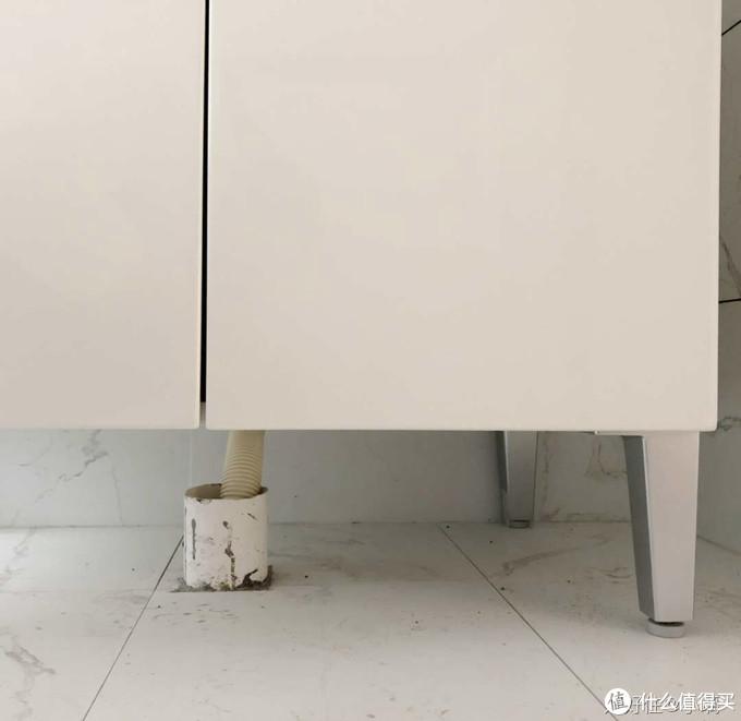 越来越多人舍弃对开门浴柜,装上这种高级货,美观又实用!